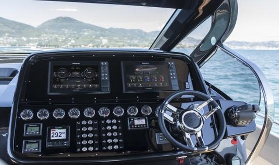 FLIR Systems Raymarine YachtSense'i Tanıtıyor