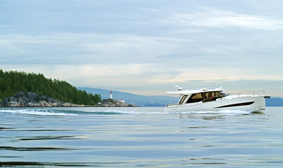 Greenline Yachts % 100 Elektrikli Kabinli Kiralık Yat Filosu